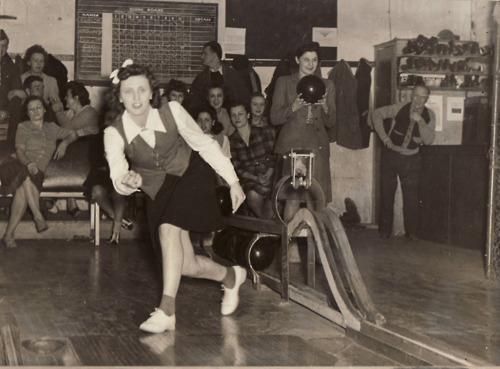 1940s bowling
