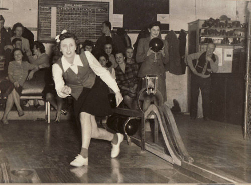 1940s bowling