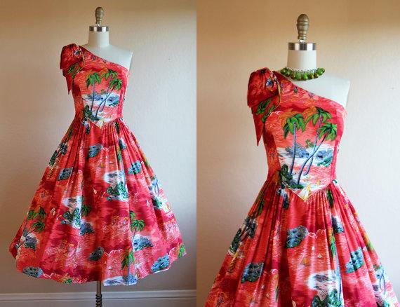 1950s rayon hawaiian dress