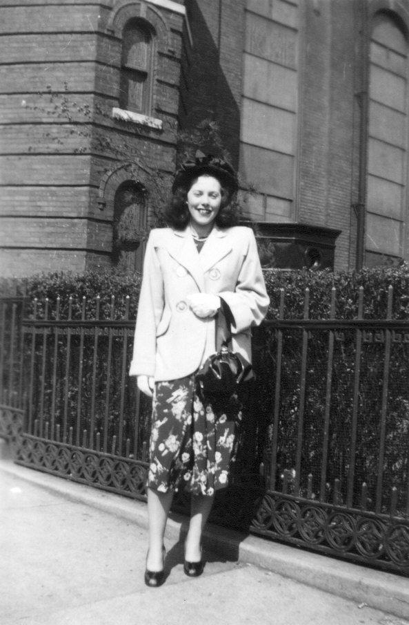 1940s womans fashion