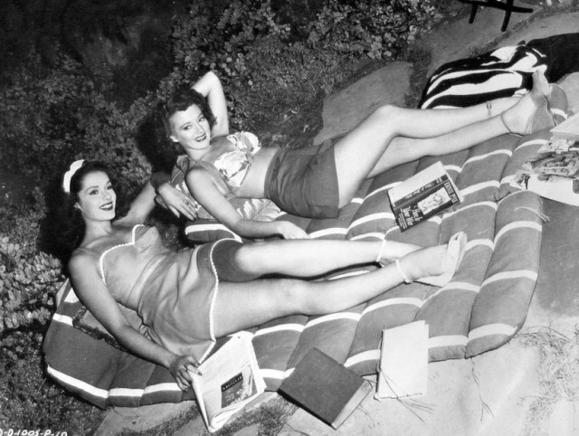 falkenburg-keyes-relax-nine-girls