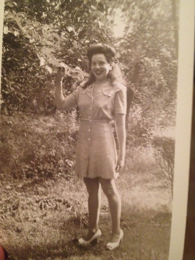 1940s woman in a playsuit