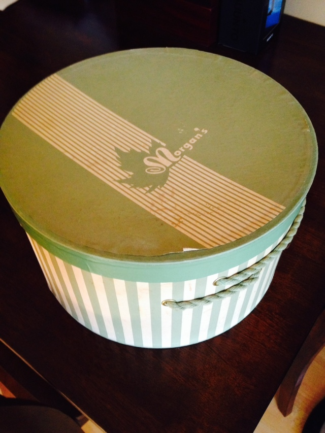 1950s Vintage Hat Box