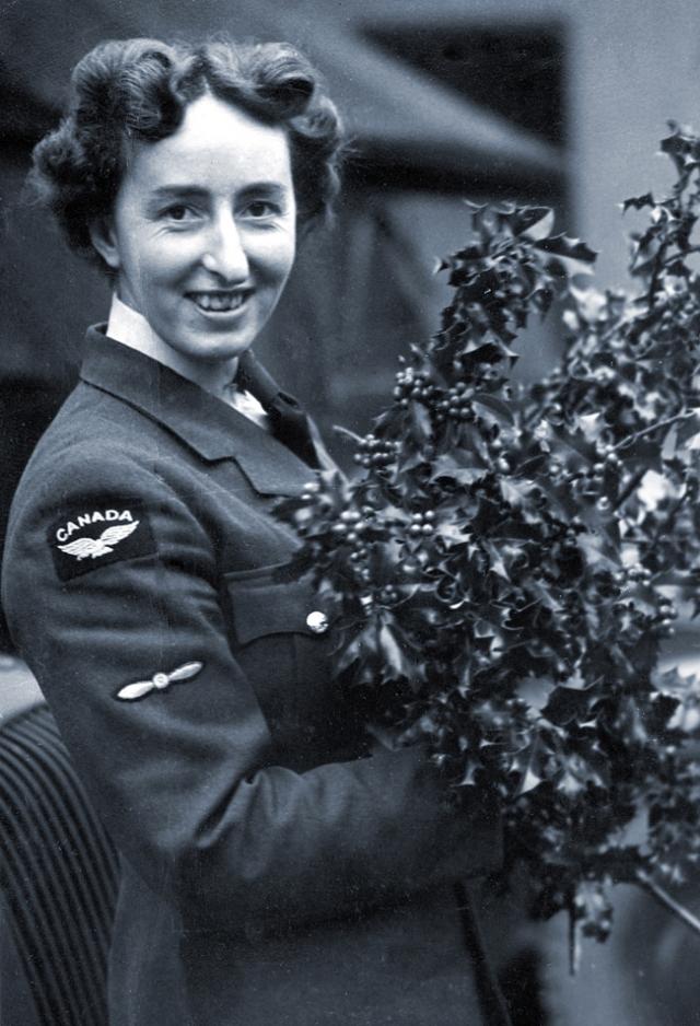 WW2 Uniforms for Women-Canada